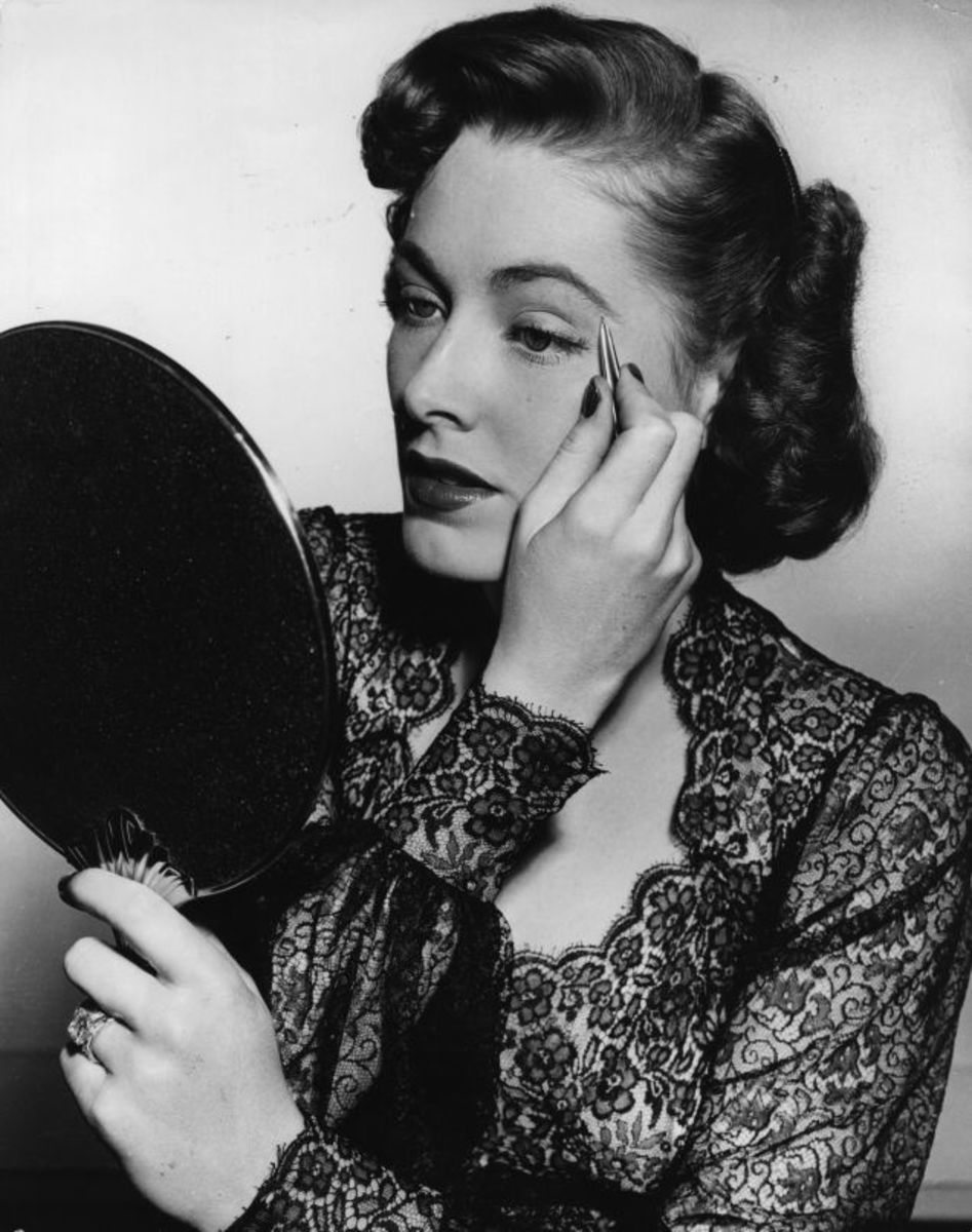 Women plucked their eyebrows in the 1940s to achieve a feminine arch.