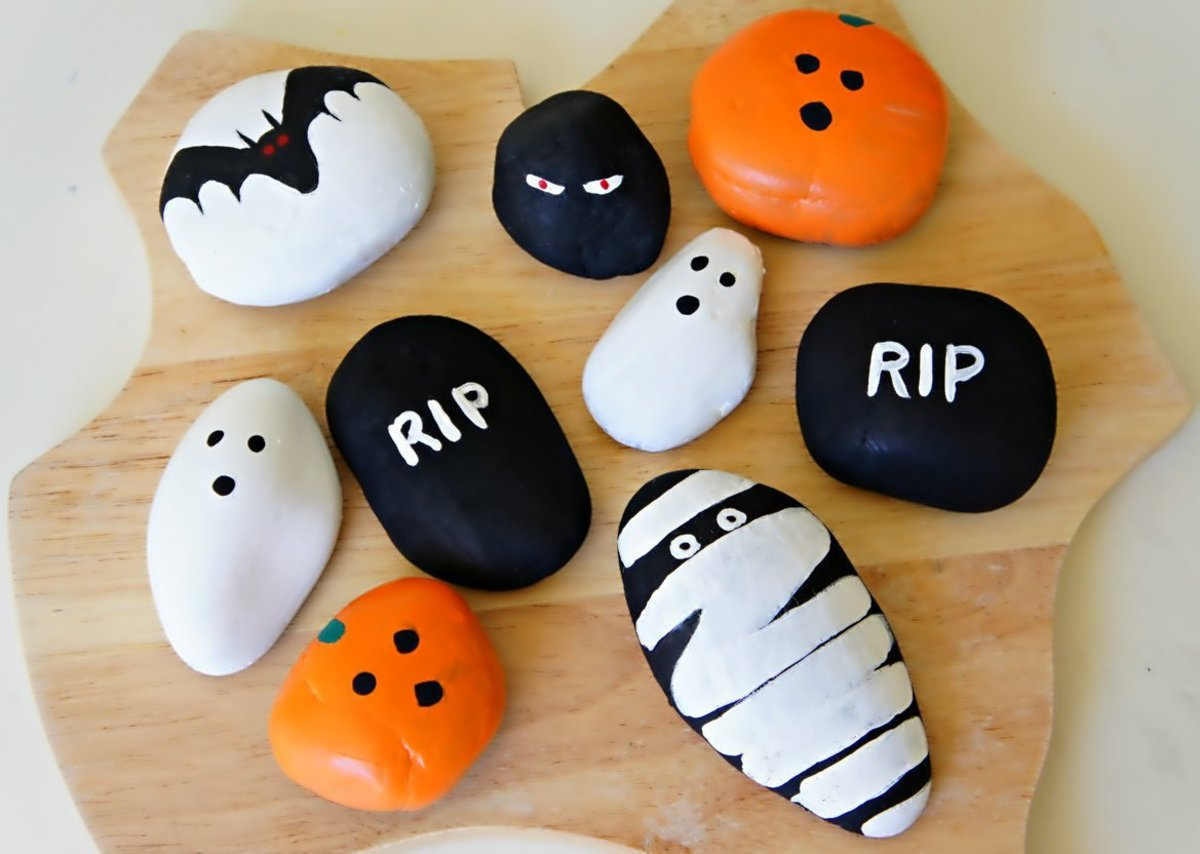 Easy Halloween Pictures To Paint On Rocks