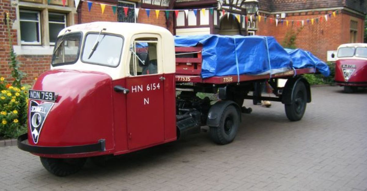 The later Scammell Scarab mechanical horse, introduced in the late 1940s and still in service over two decades later