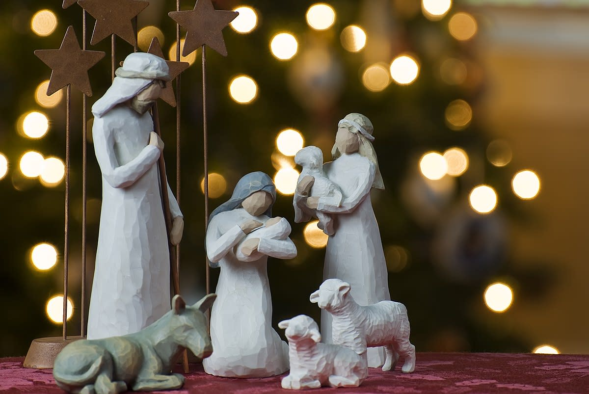 Small scale decorations are an important part of the Christmas holiday