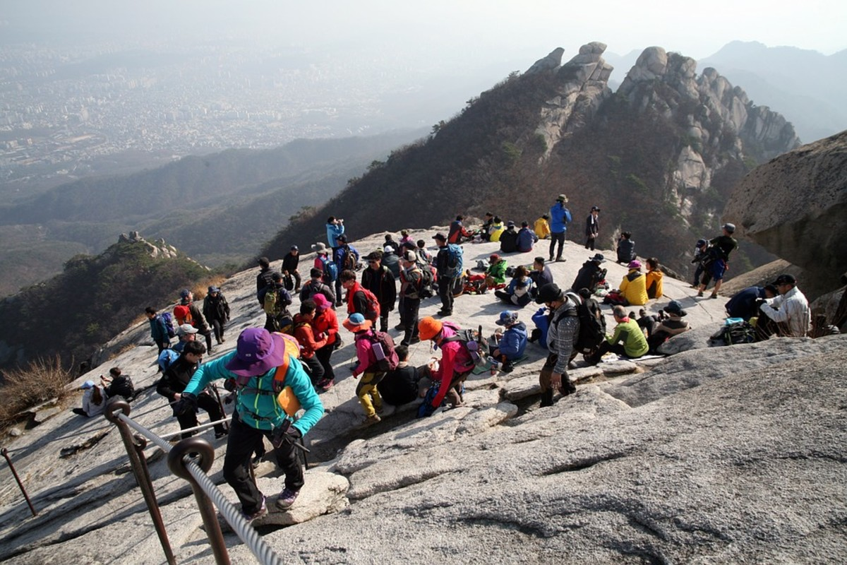 Bukhansan National Park in the northern of Seoul is one of a few places in Seoul where visitors can get back to nature