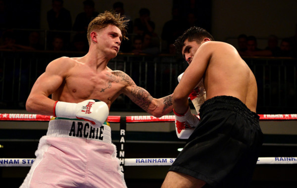 Archie Sharp fighting at York Hall.