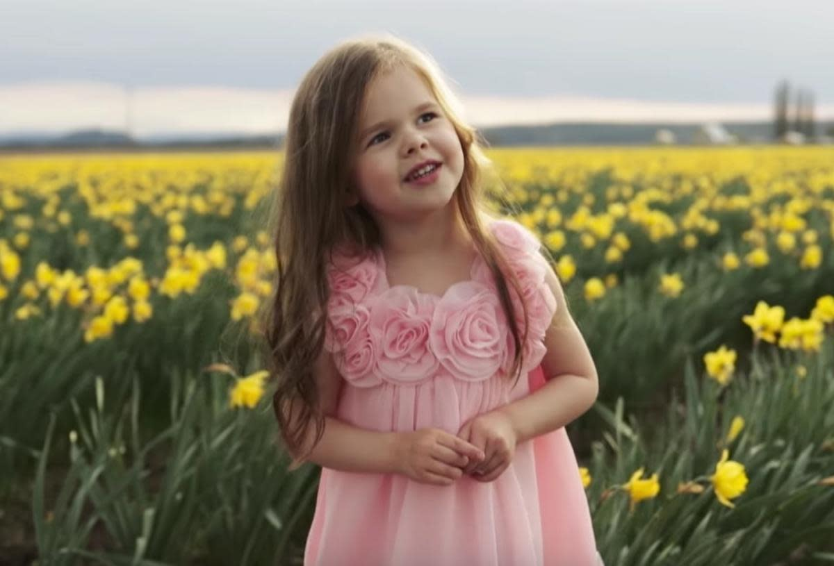 Claire Crosby (5 year-old singer)