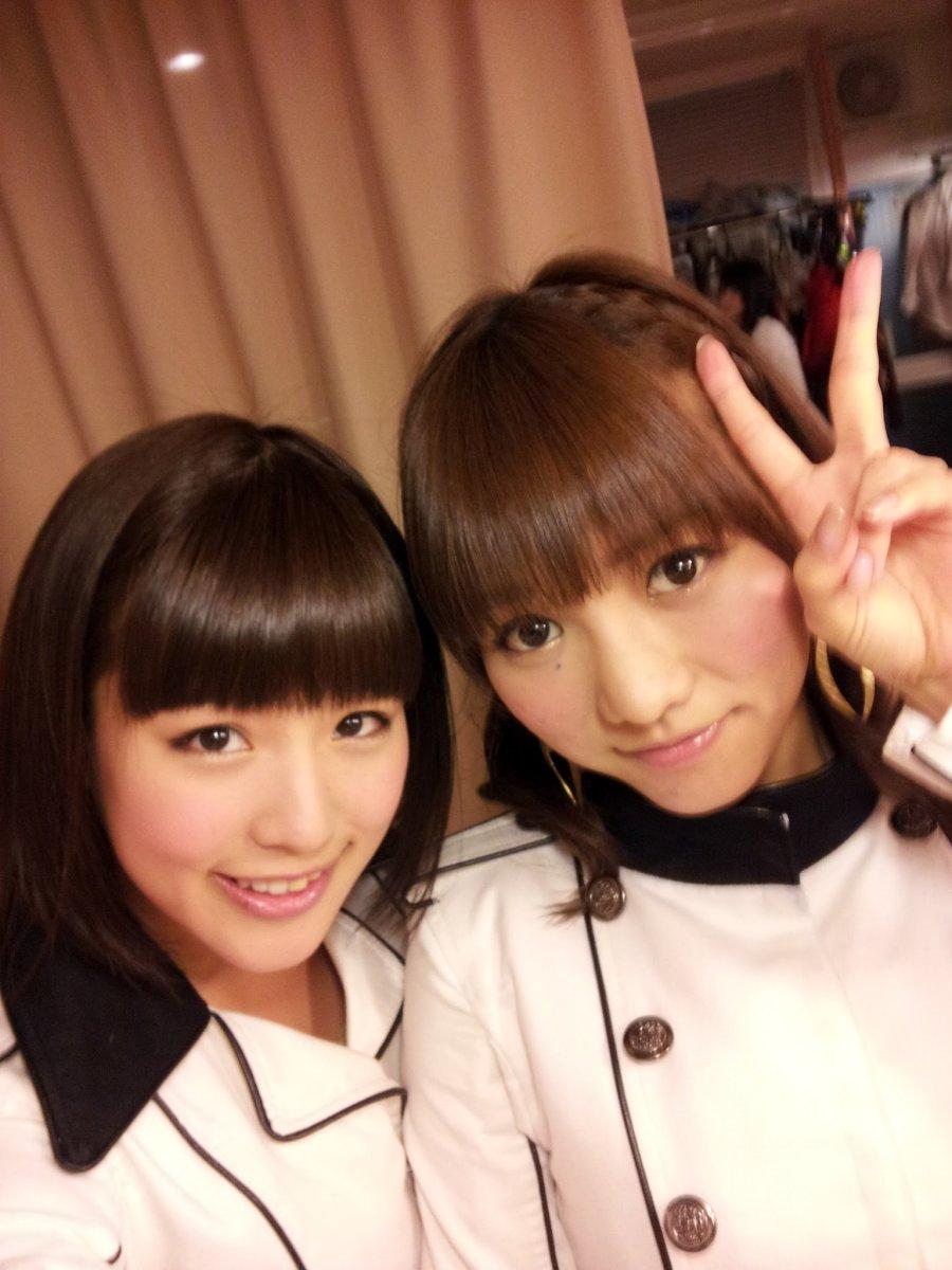 With former AKB48 and JKT48 member Aki Takajo (right).