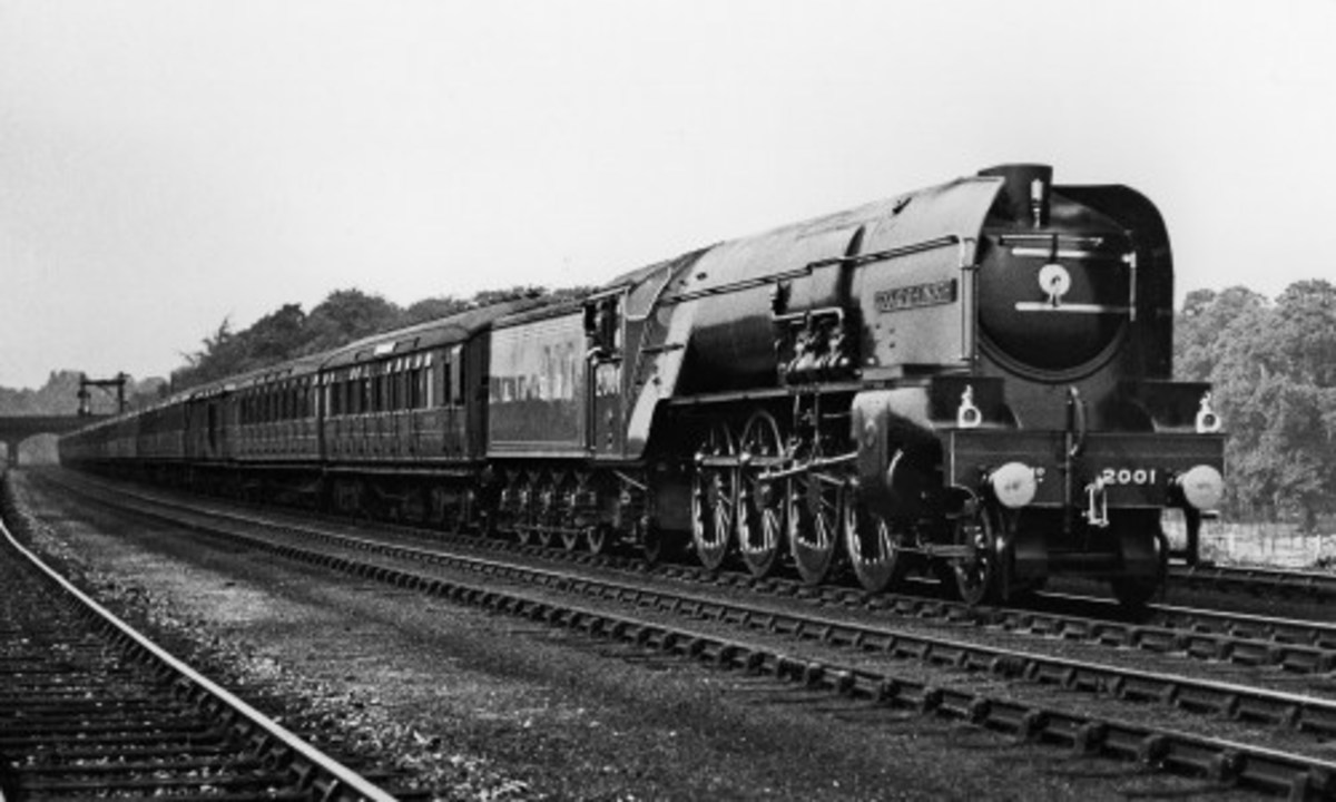 A Class P2 with a train of teak LNER corridor carriages between the wars - the class was allocated to Scottish sheds before being rebuilt to Class A2/2 Pacifics under the auspices of Edward Thompson