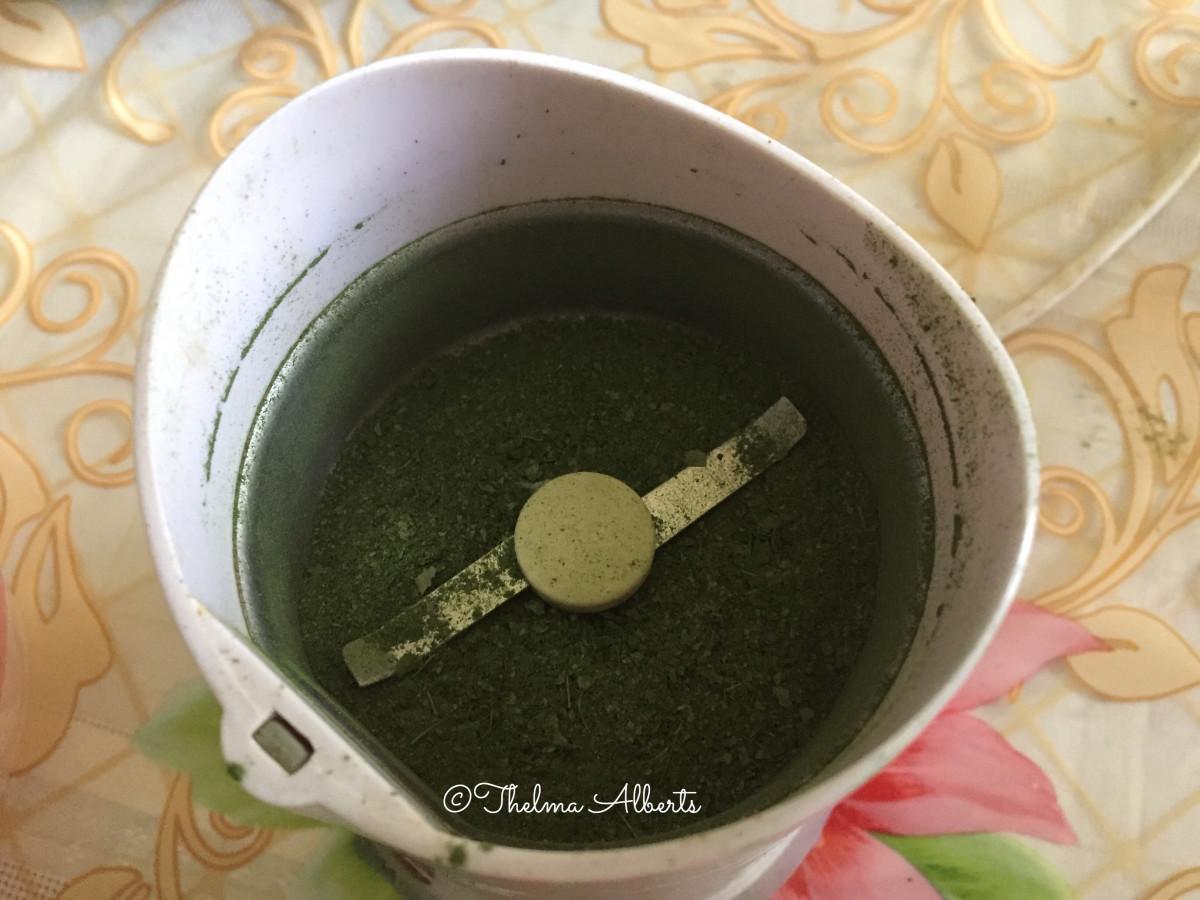 Moringa Oleifera/ Malunggay / Miracle tree powder.