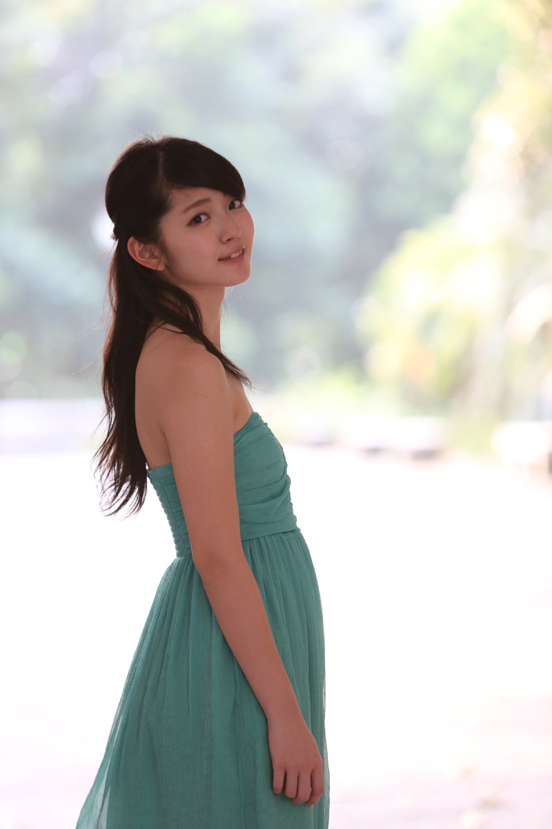 a-look-back-at-the-life-and-career-of-singer-airi-suzuki