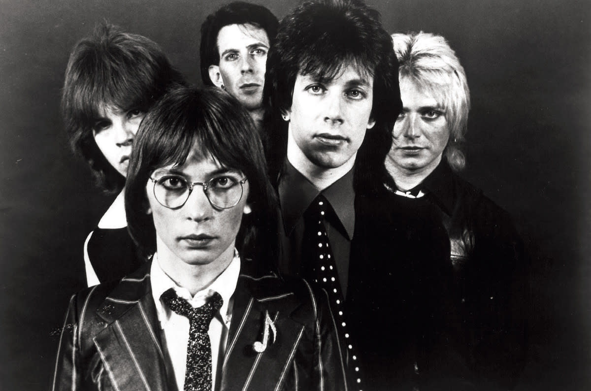The Cars in 1978- Left to right: Elliot Easton, Greg Hawkes, Ric Ocasek, David Robinson, and Benjamin Orr.