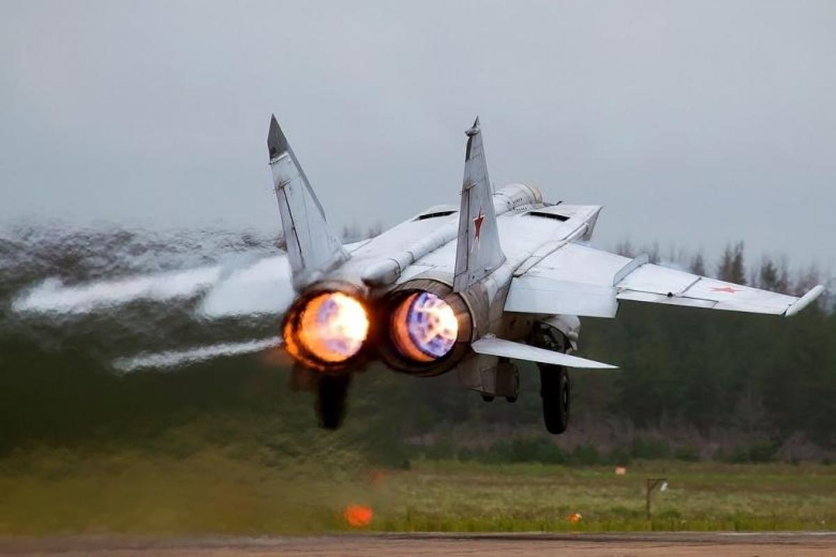 The MIG-25 taking off.