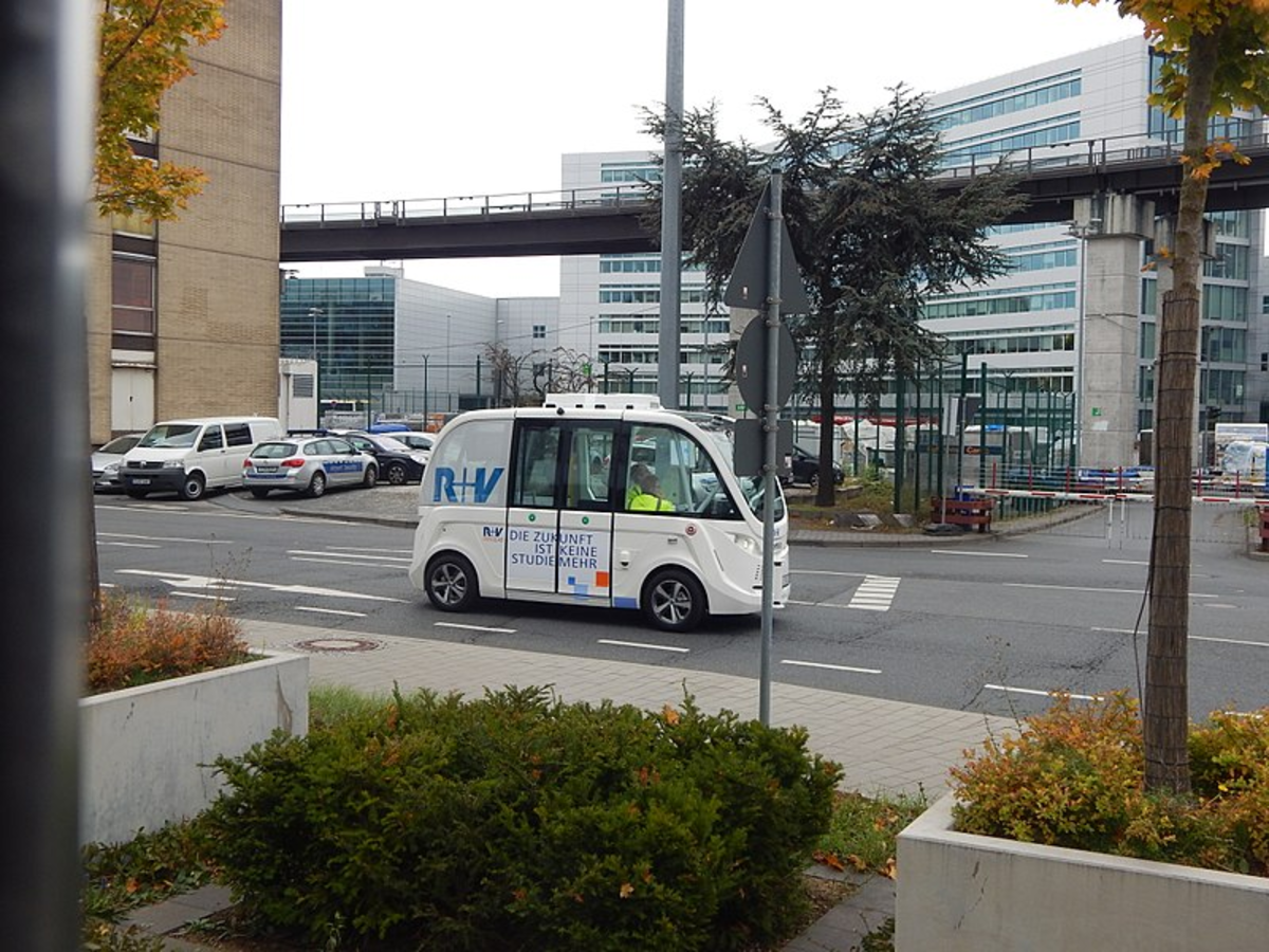 Test of driverless shuttle buses at Frankfurt / Main airport (October 24, 2017).