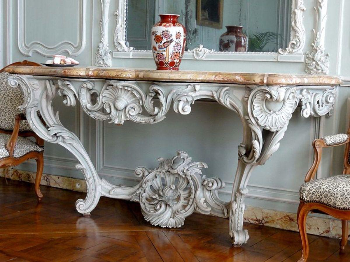 Baroque table