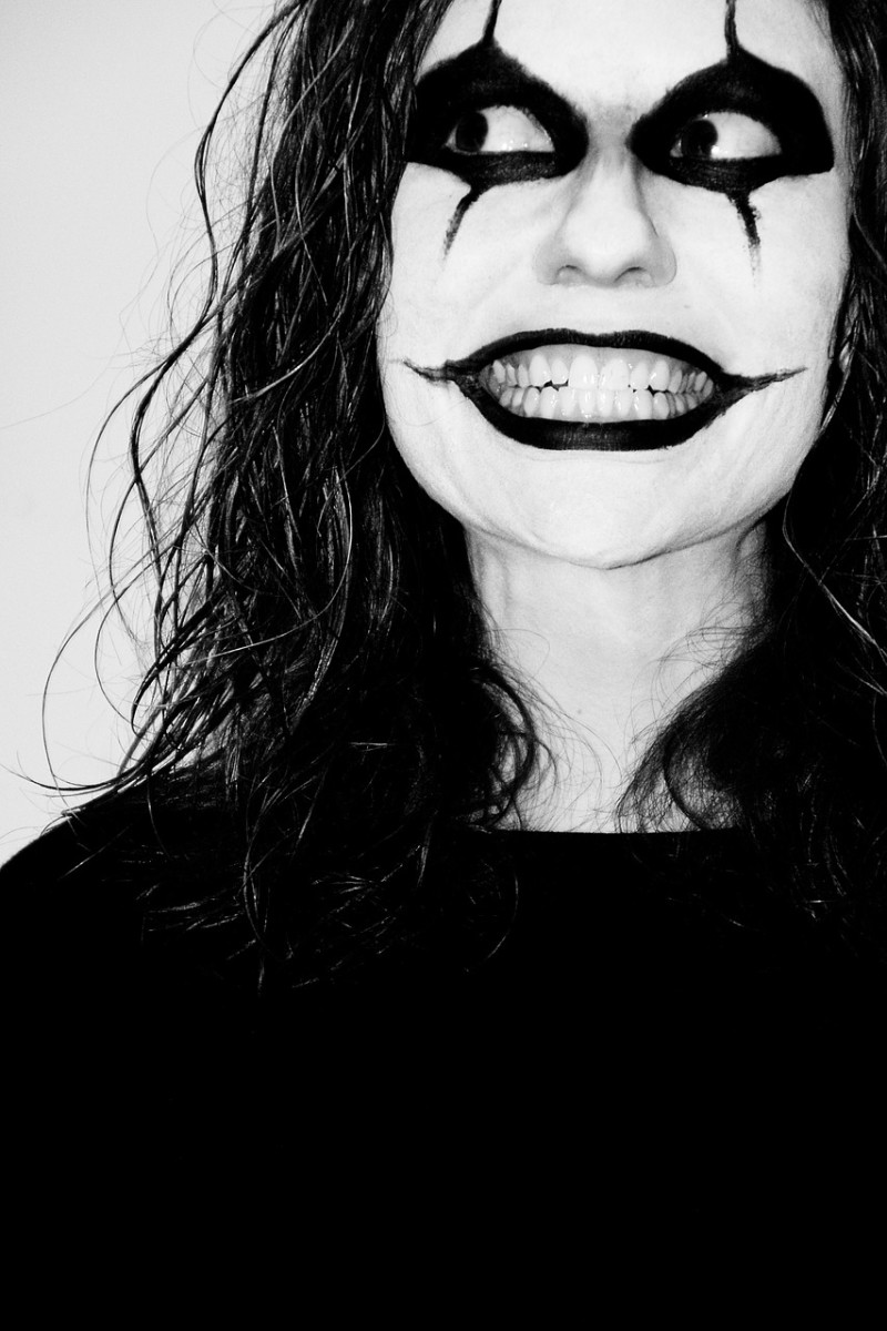 Johnny Depp is terrified of clowns.