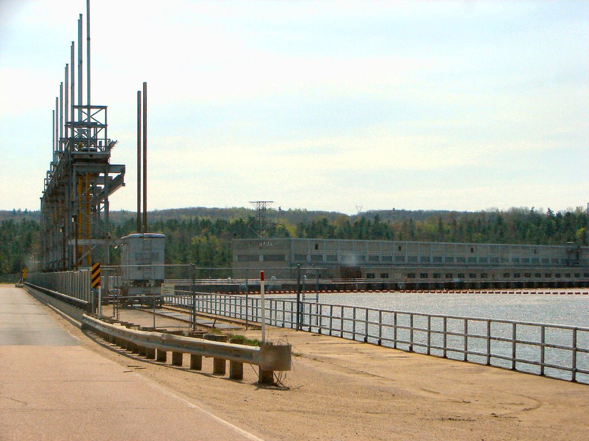 Chenaux Hydroelectric Power Station on the Ottawa River, Ontario/Quebec, Canada