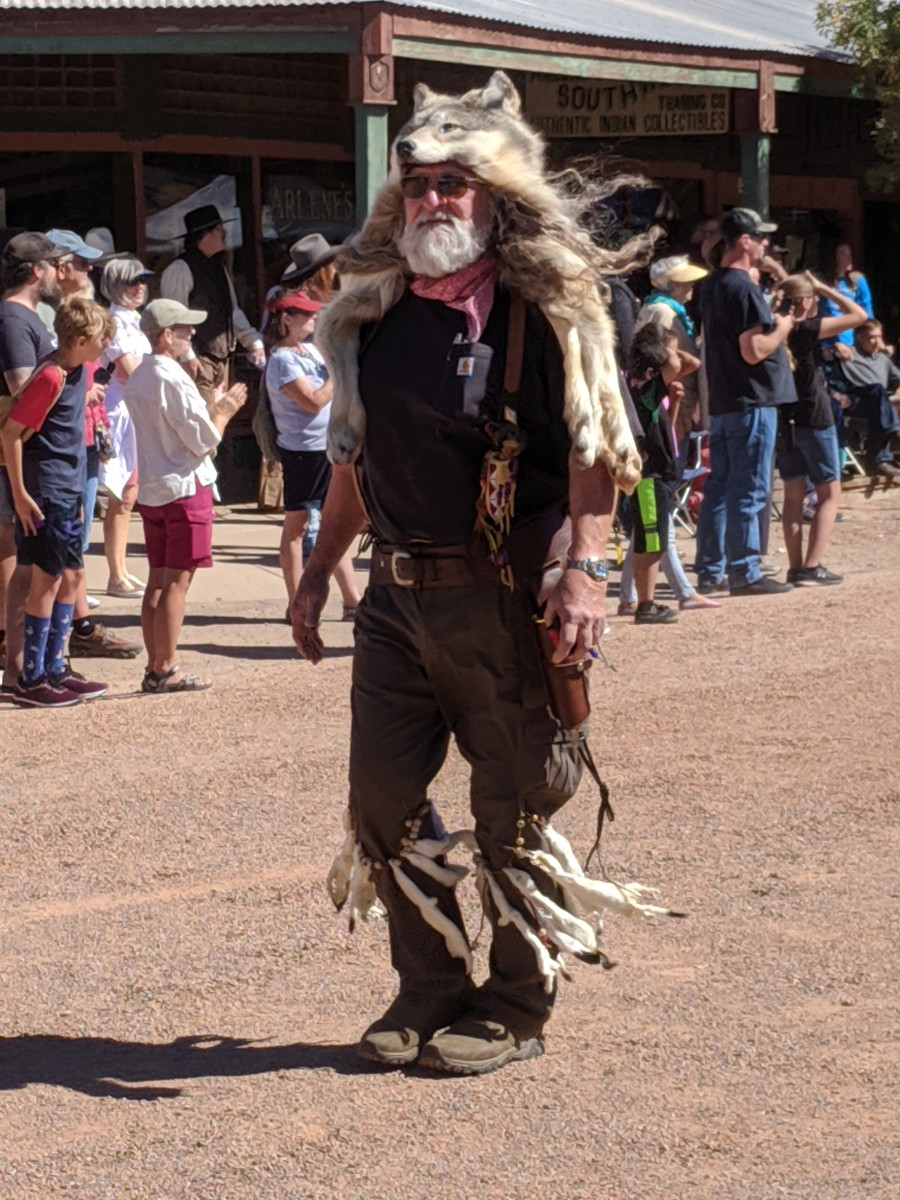 Dressing in Old West clothing is popular in Tombstone.  Outfits range from those of a prominent lady or gentleman to clothes worn by cowboys, trappers, miners and bar maids