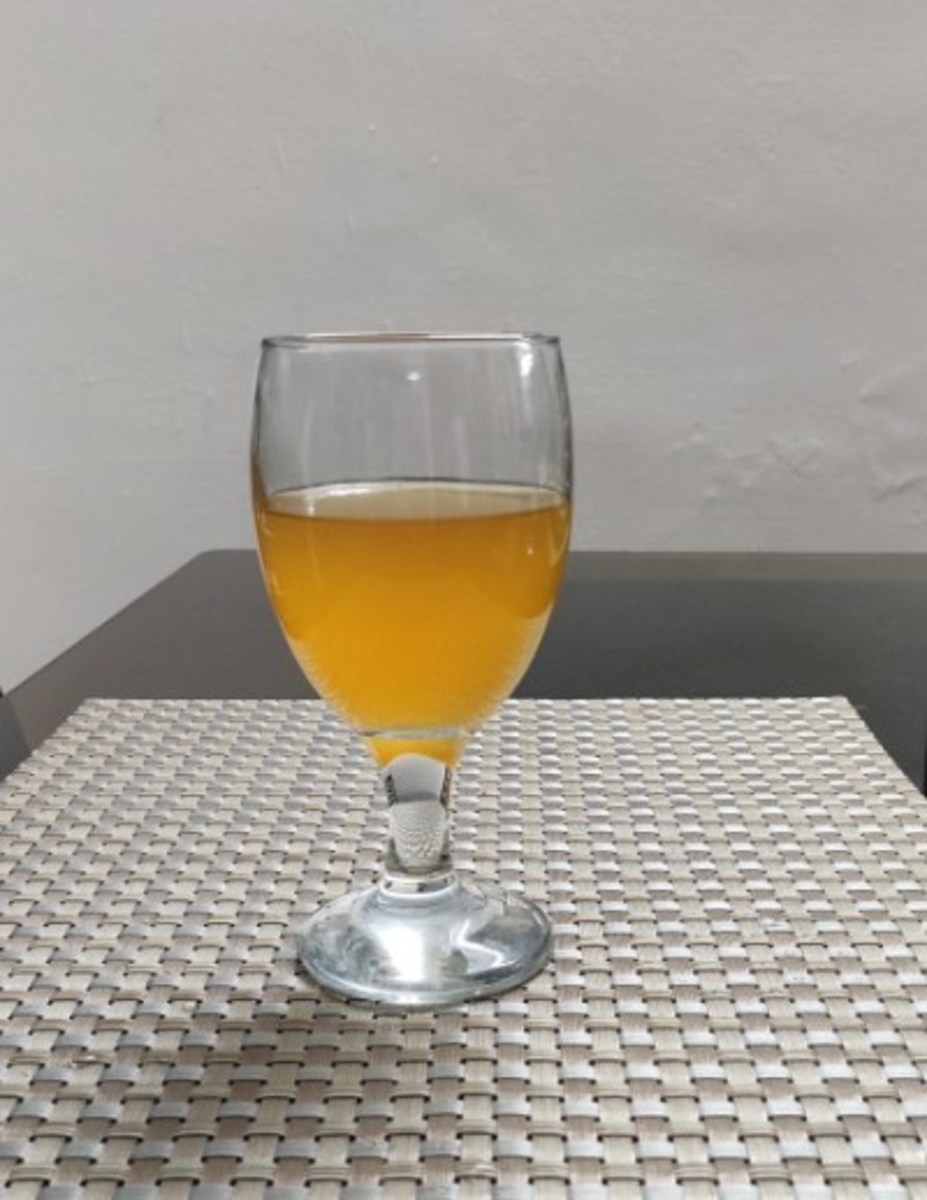 An Easy and Tasty Homemade Banana Wine in 10 Days: A Healthy Wine For This Festive Season