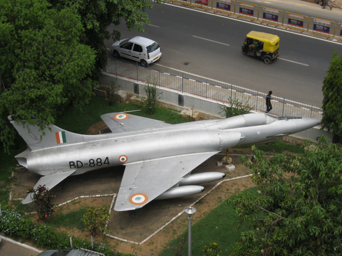 Hf-24 ( Marut) First Jet Fighter Manufactured Outside the Developed World.