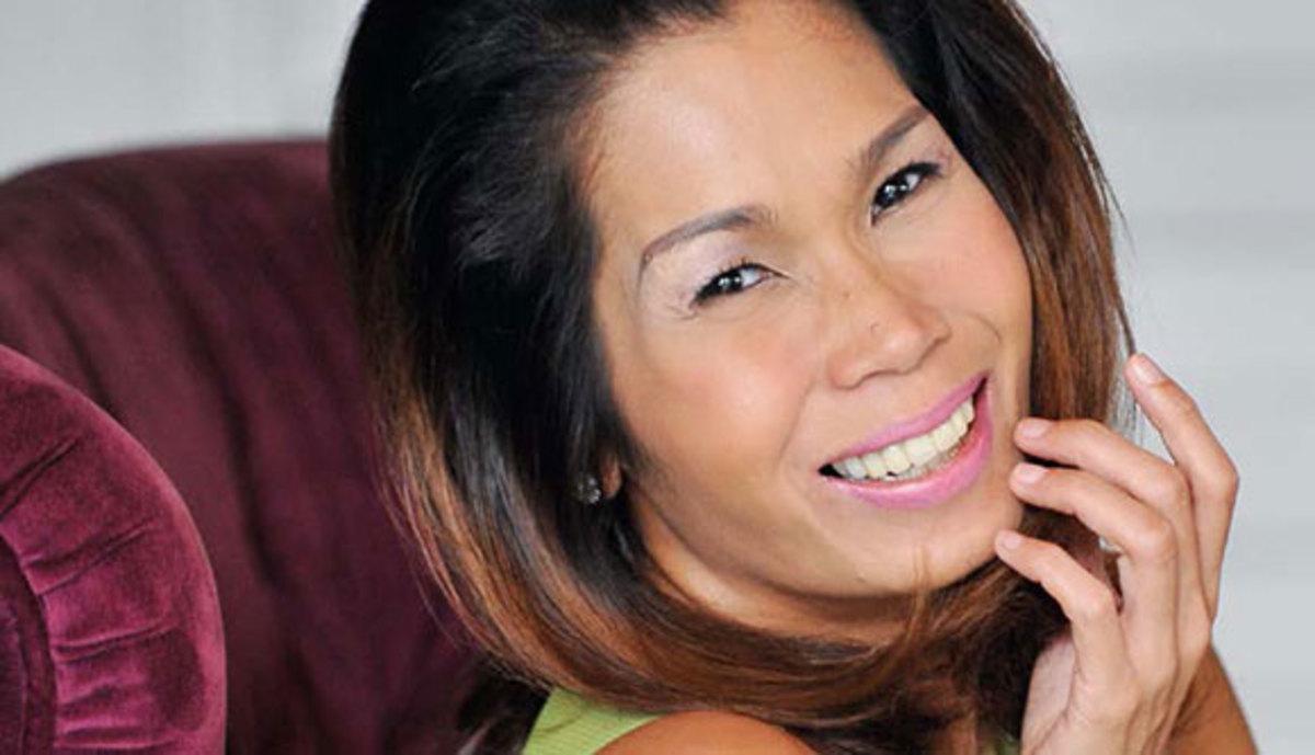 Pokwang as Jessica, sister of Enrico.