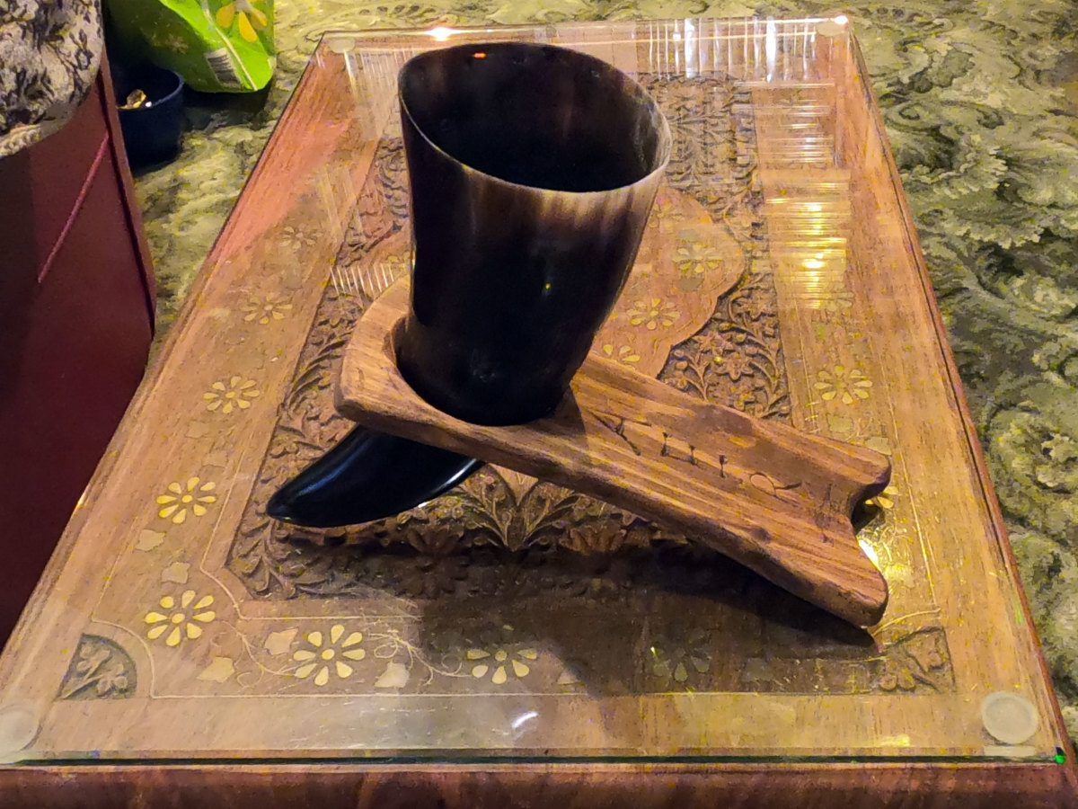 How-to Make a Wooden Stand for a Viking Drinking Horn