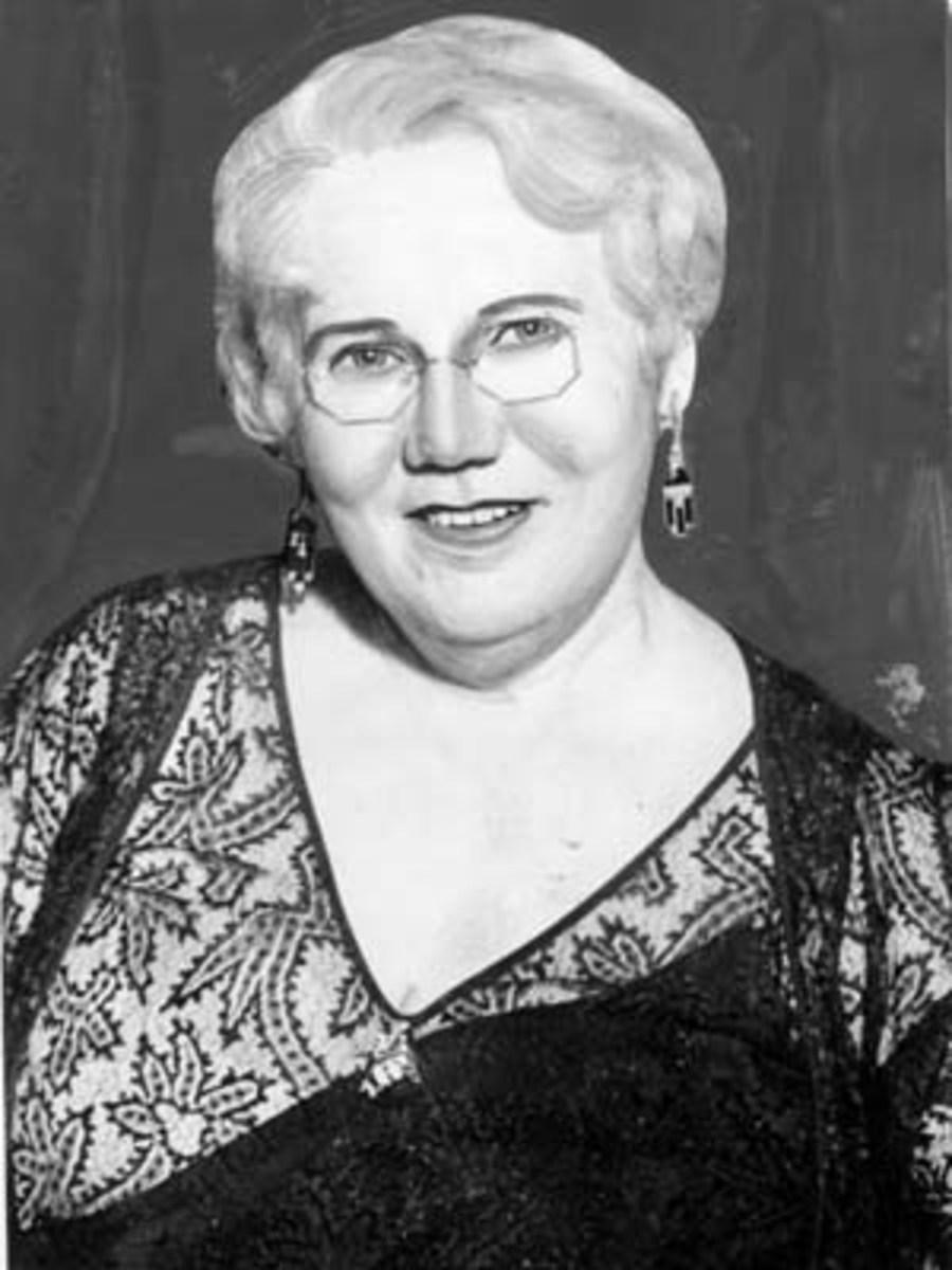 Alice Elizabeth Todd, Thelma's mother.