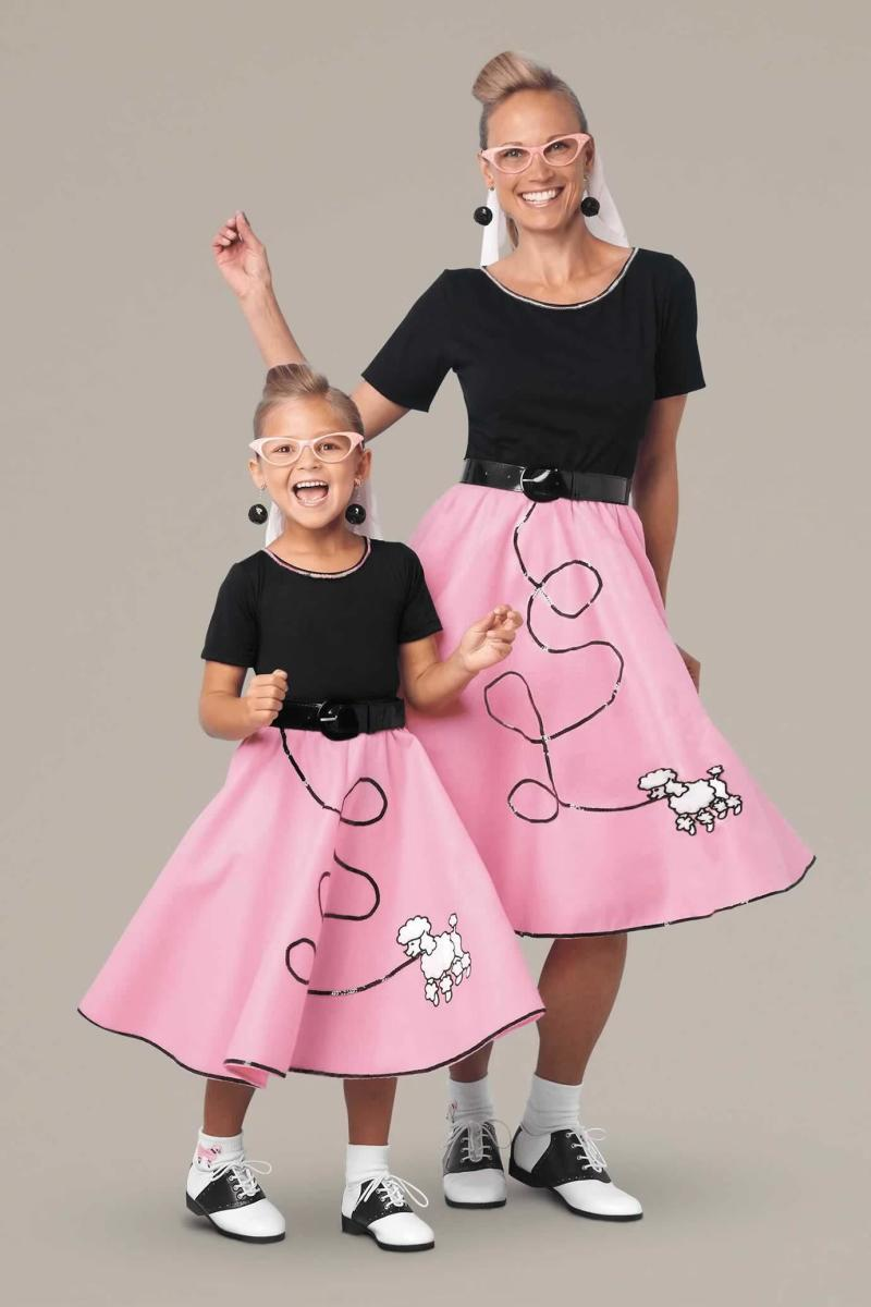 Dressing up as a mother-daughter duo is so awesome!