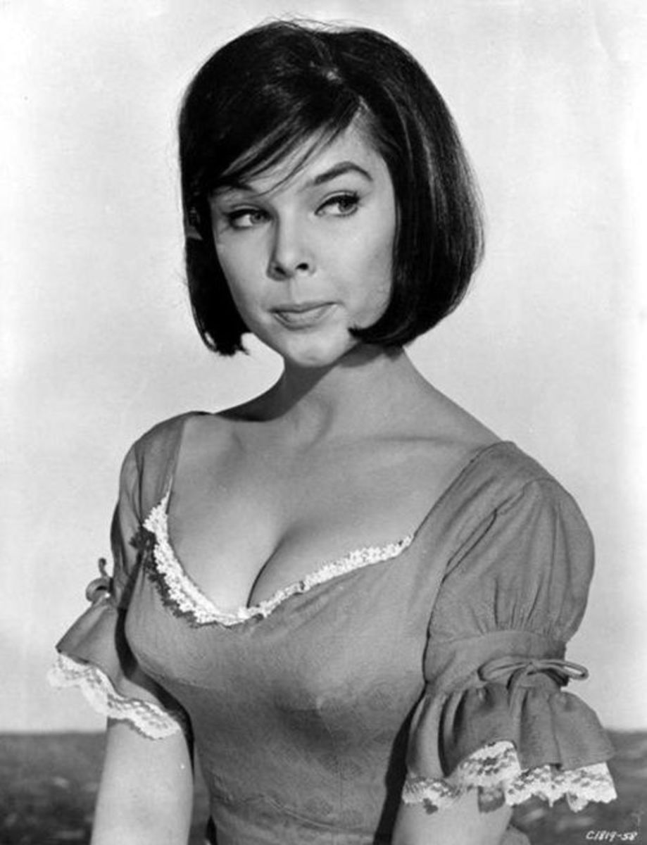 Say hello again, to Yvonne Craig/Bat Girl.