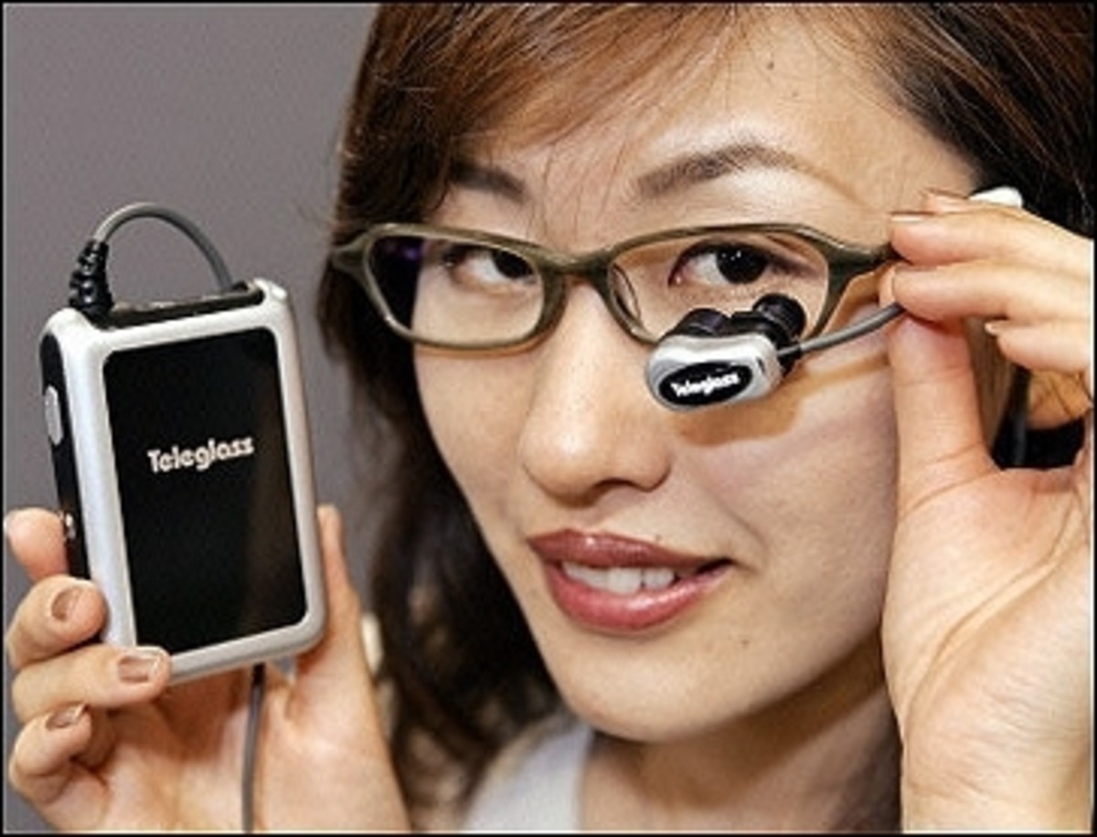 Video eyeglasses   you can view TV or movie, HMMMMMMMM fashionable video eyeglasses anywhere you go