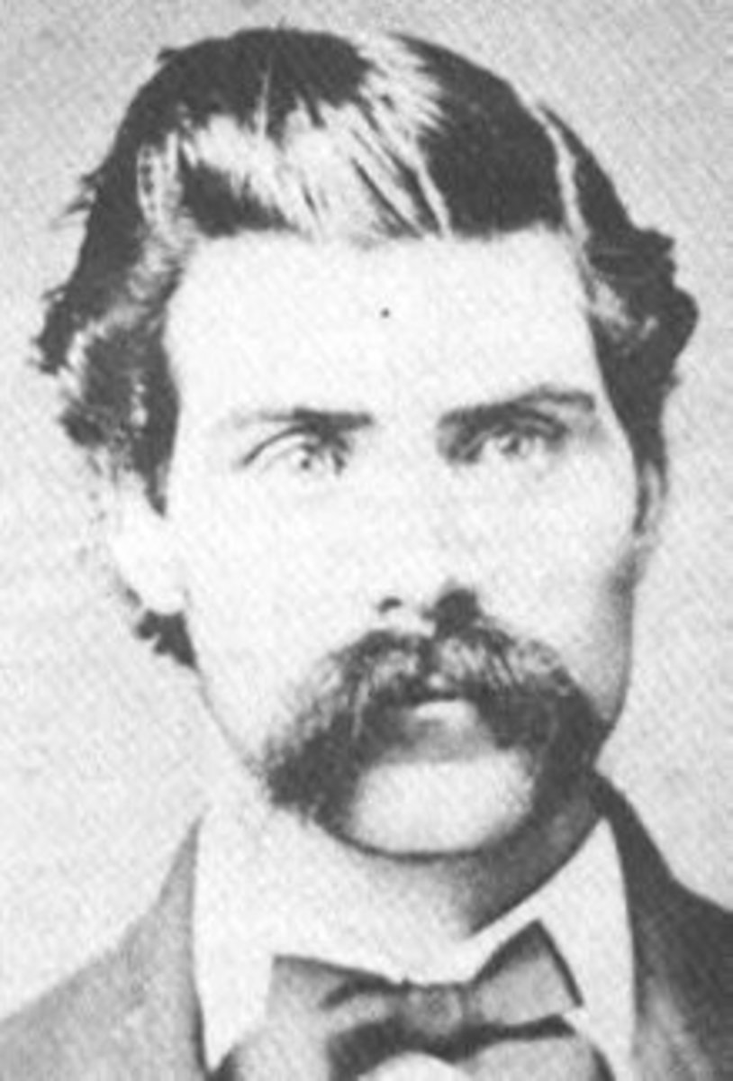 Grave Robber Terrence Mullen One of the men who tried to steal President Abraham Lincolns body.
