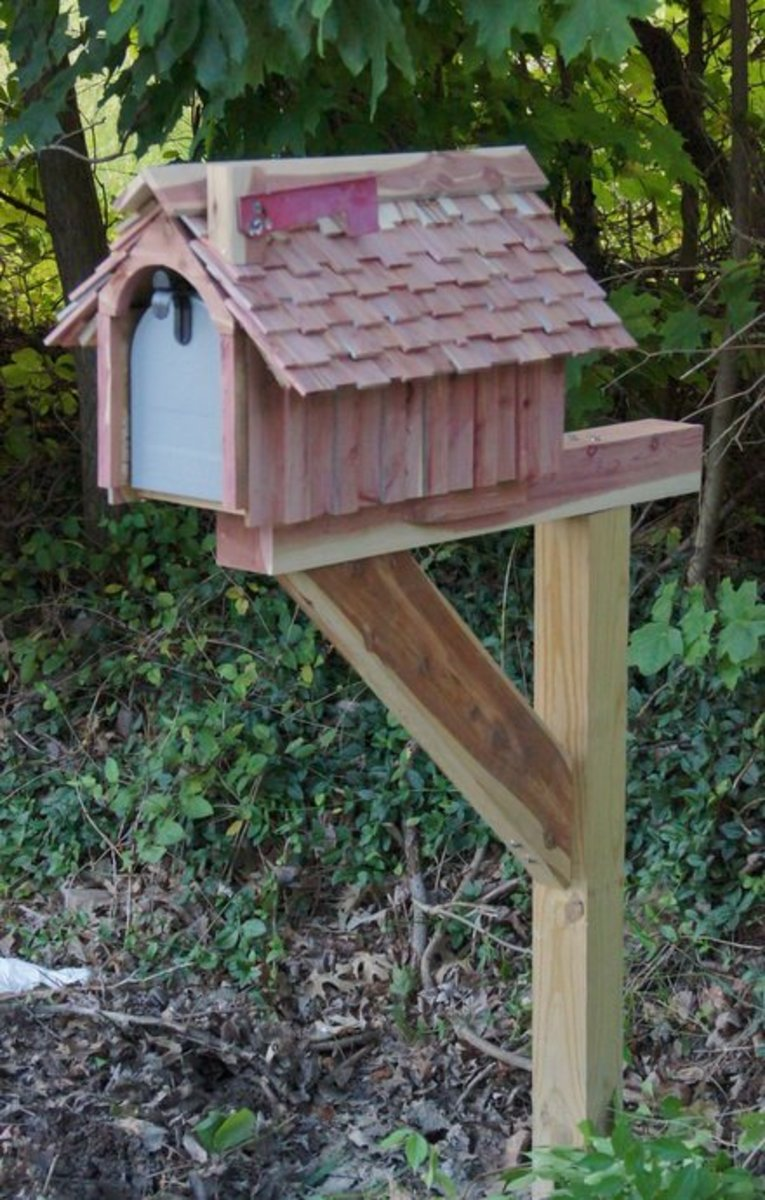 BUILDING AND INSTALLING A COUNTRY MAILBOX