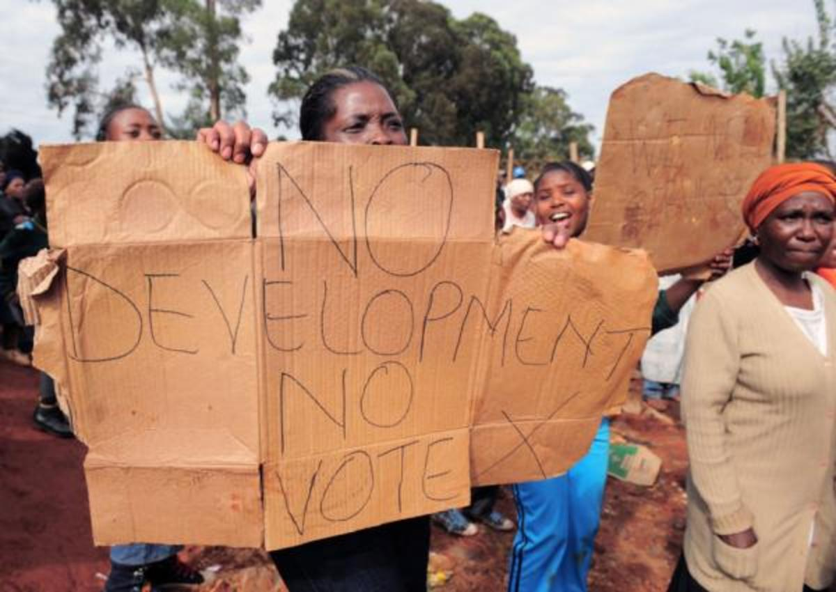 Fed-up residents of Kapok, an informal settlement near Ennerdale, south of Johannesburg, vent their anger against against poor service delivery. The angry residents vowed not to vote in coming elections