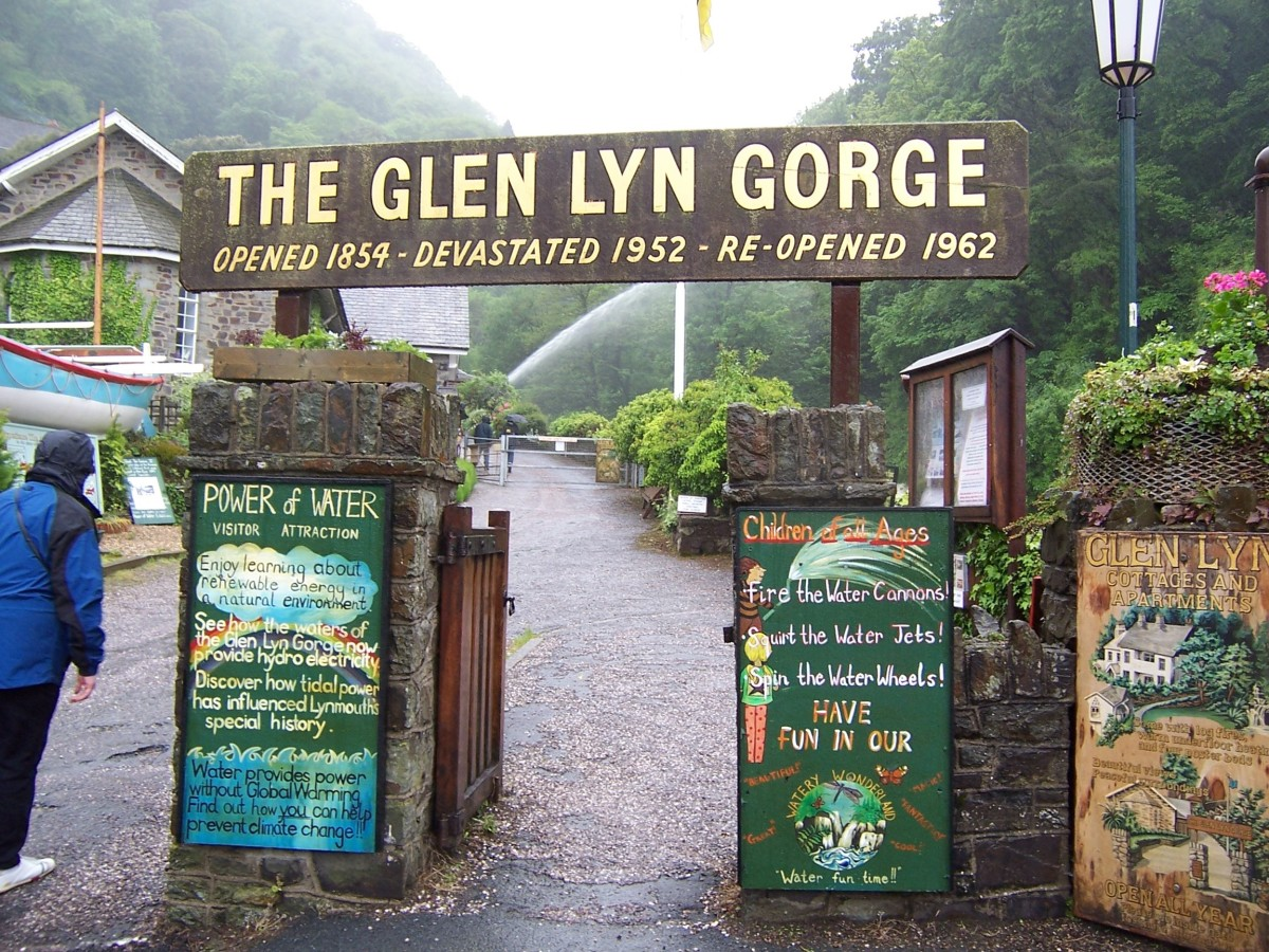 Copyright(c)KCC Big Country-Lynmouth in 2006 This is the sign I was referring to in the article above.