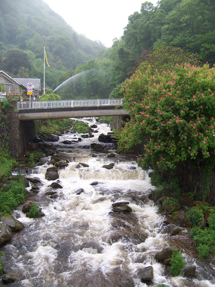 Copyright(c)KCC Big Country-Lynmouth 2006 West Lyn River