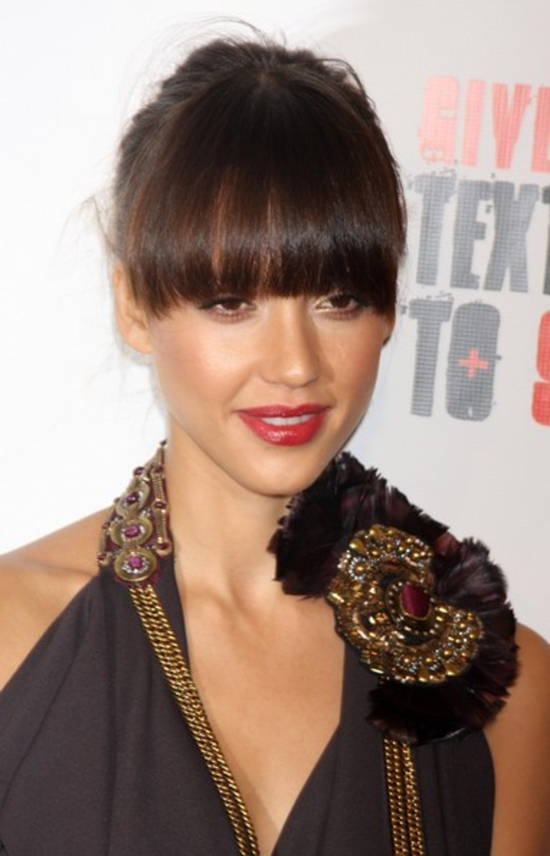 jessica alba blunt bangs hairstyle for