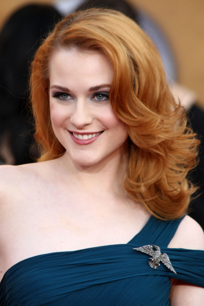 evan rachel wood  hairstyles with medium wavy hair big curls