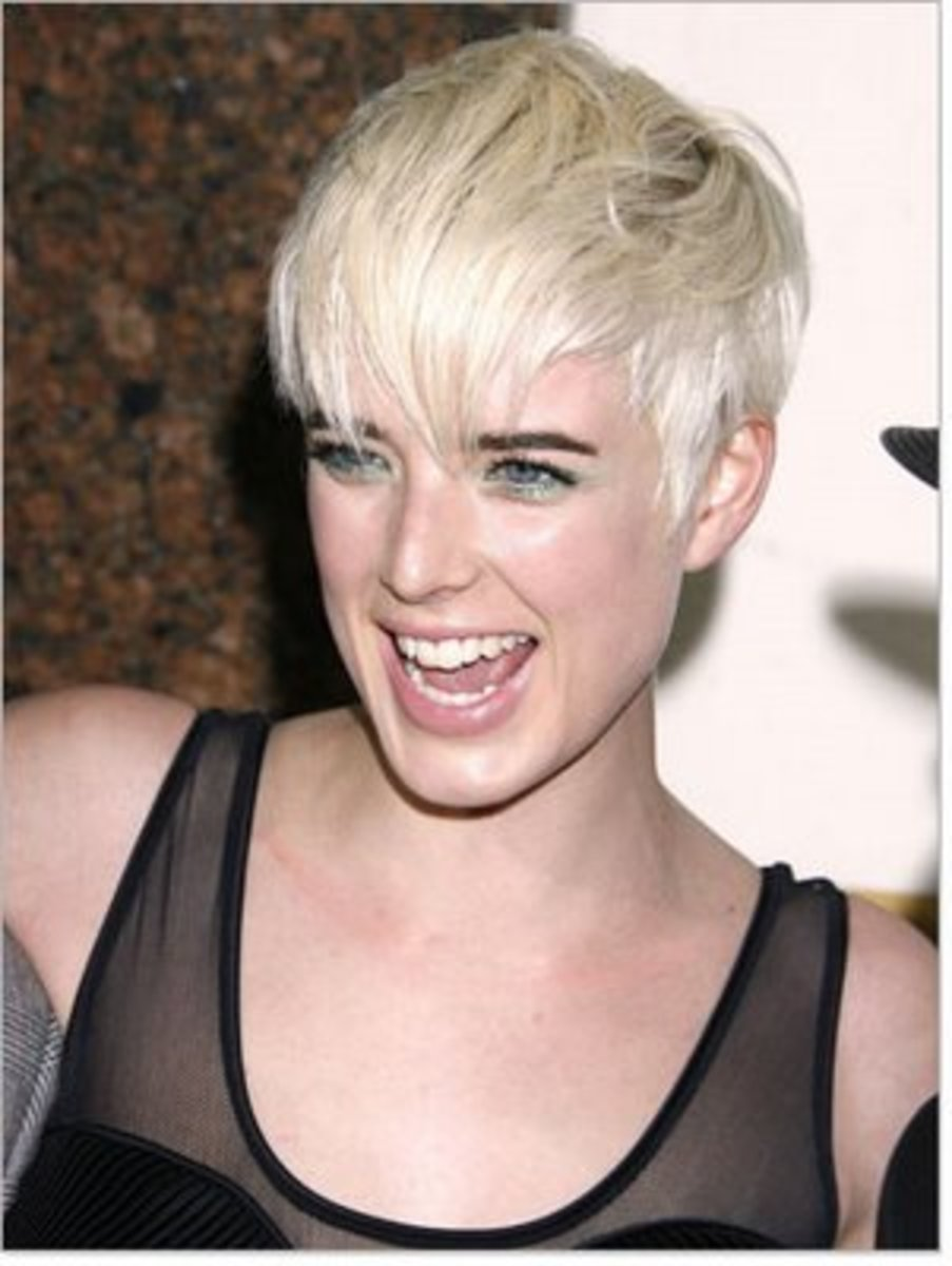 hair trends pixie crop haircut with boyish look