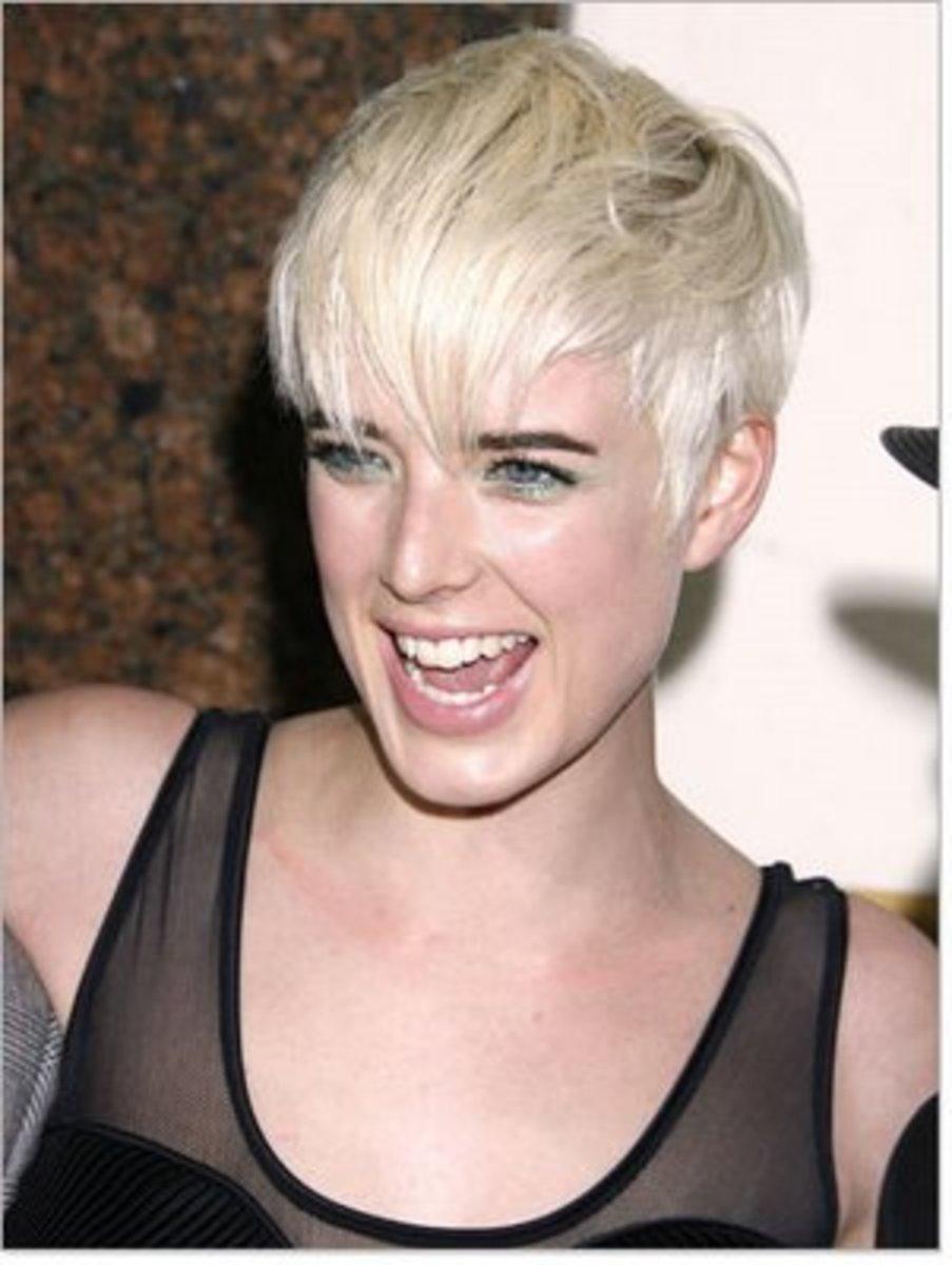 hair trends pixie crop haircut with boyish look