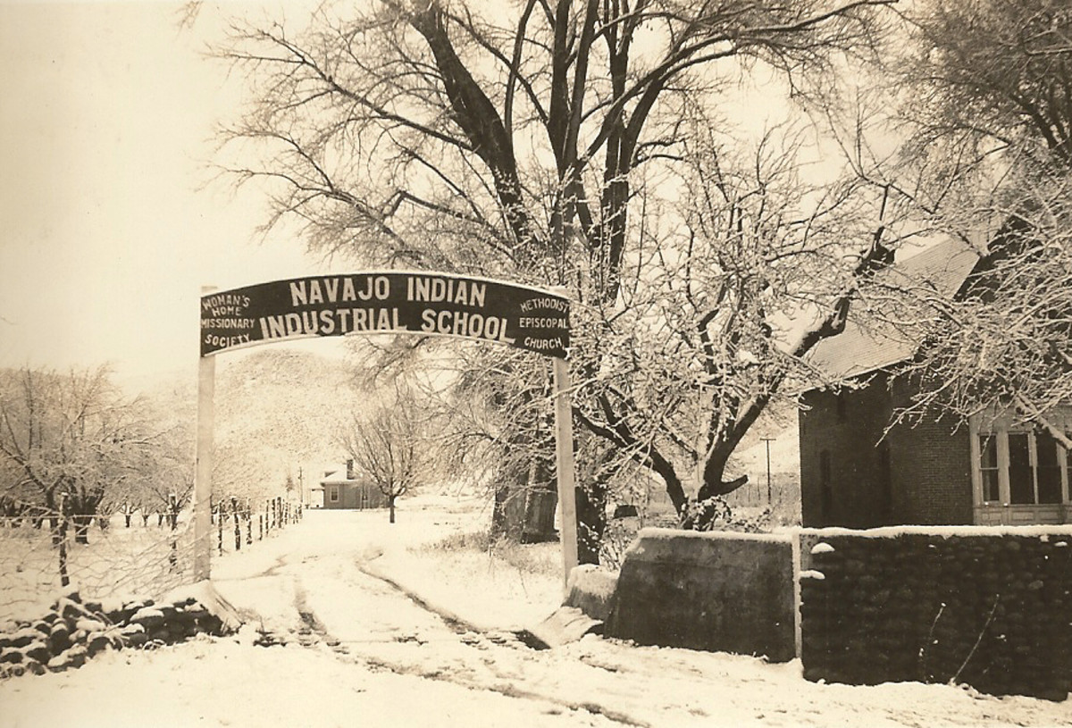 Entrance to the Navajo School