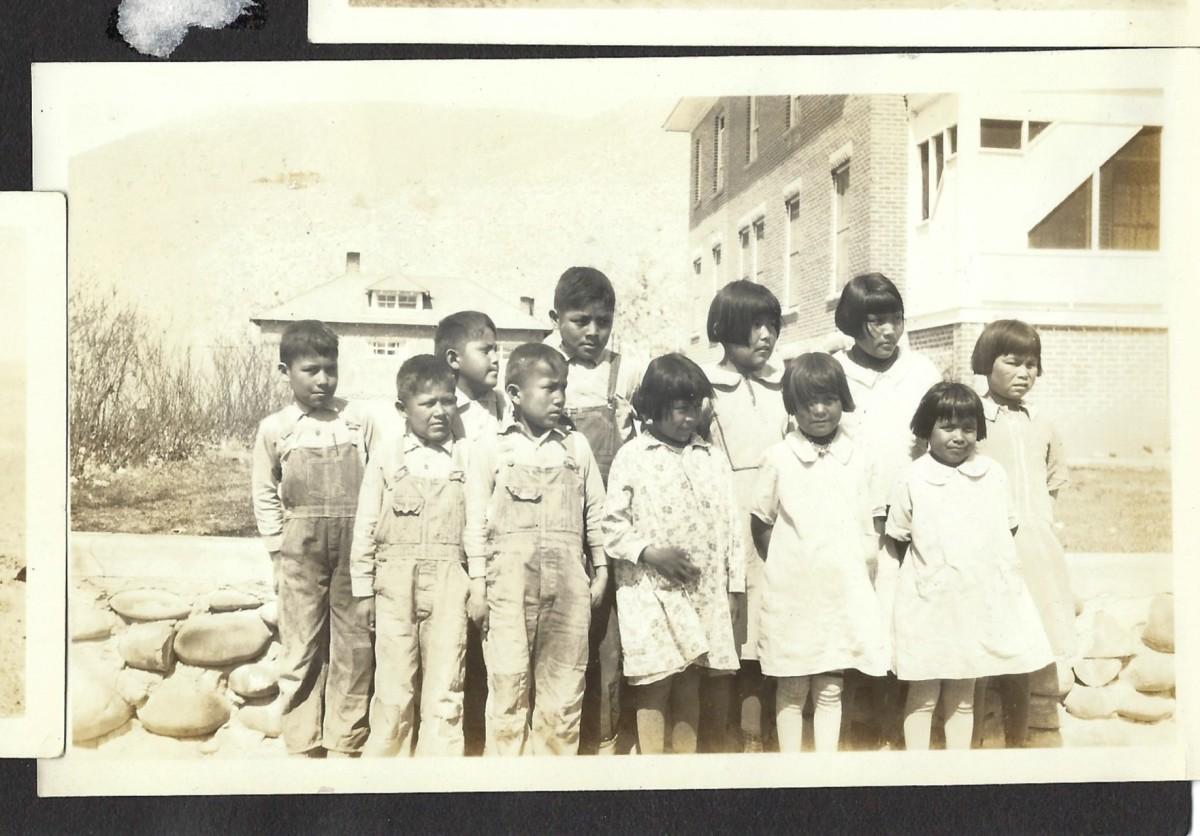navajo-school
