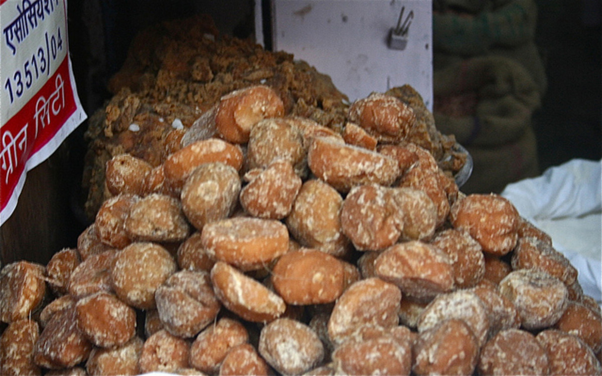 Health Benefits of The Natural Sweetener - Jaggery or Gur