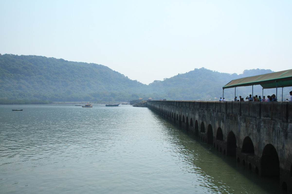 The hills of the Elephanta island