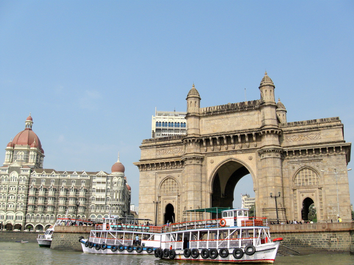 Gateway Of India - the sea side view.