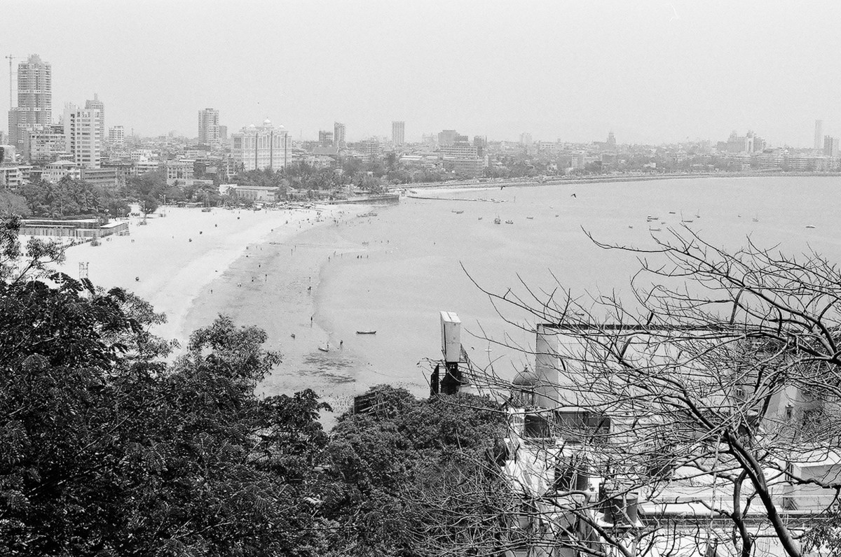 the beach view from a vantage point, the Hanging gardens on Malabar Hill.