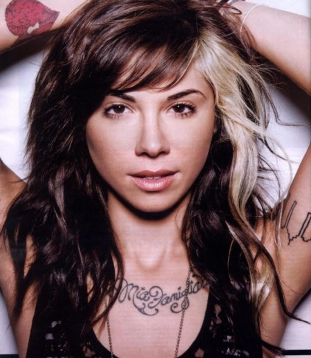 Christina Perri with streaked hair on her left side.