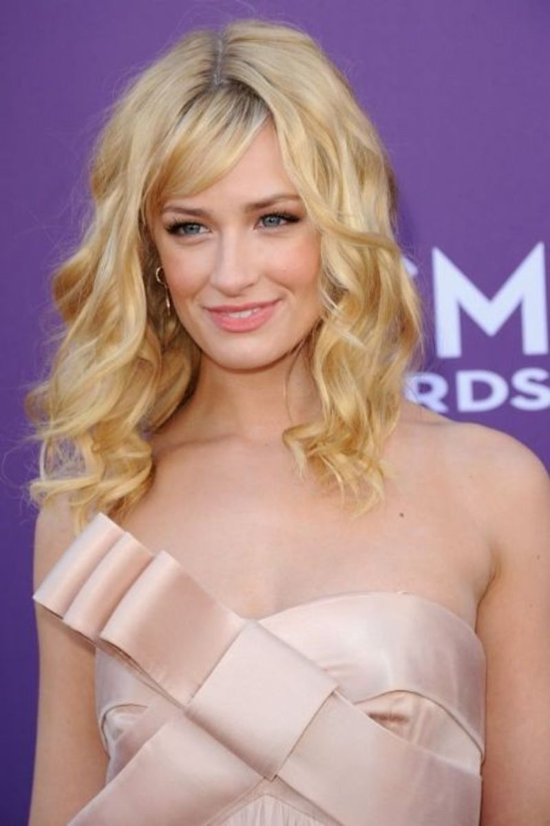 Beth Behrs hairstyle.