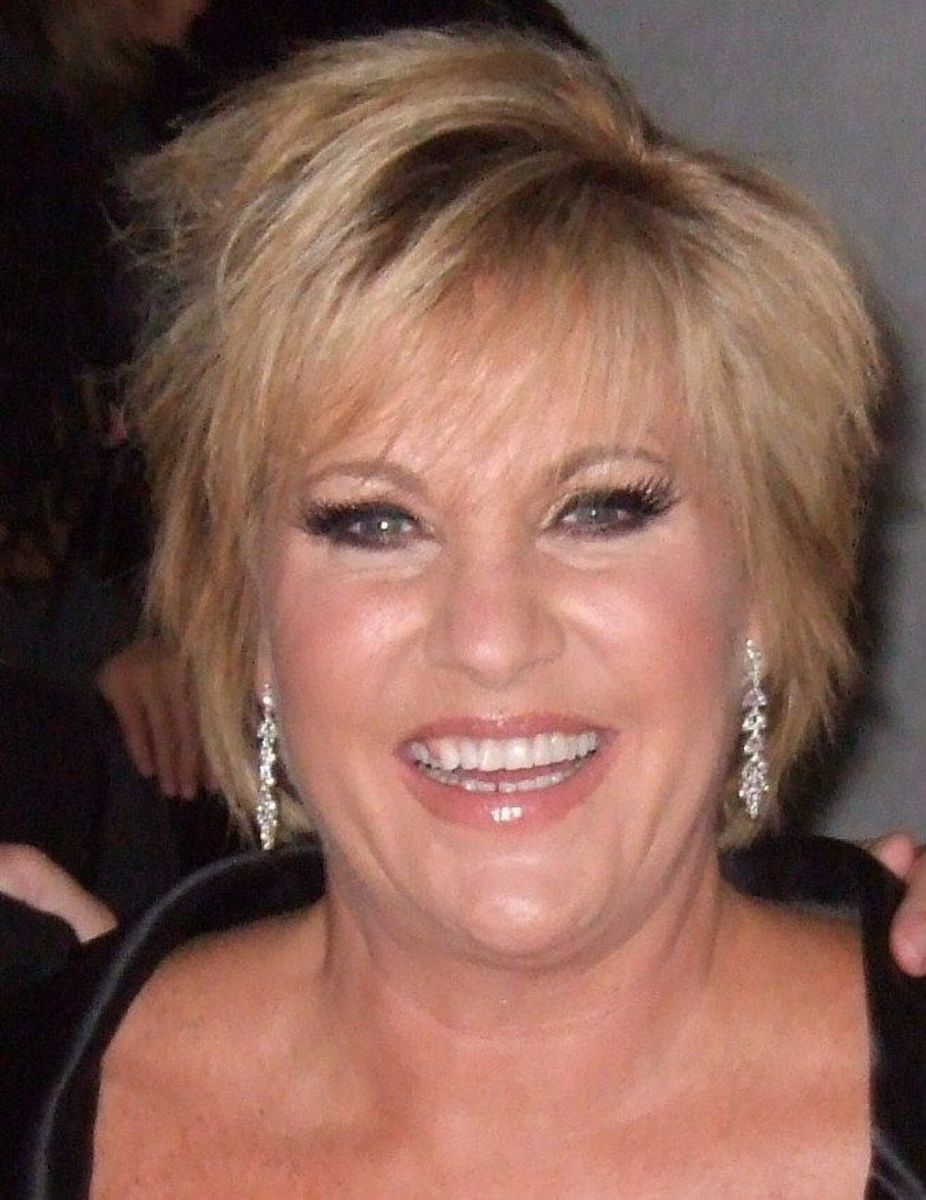 Lorna Luft hairstyle.