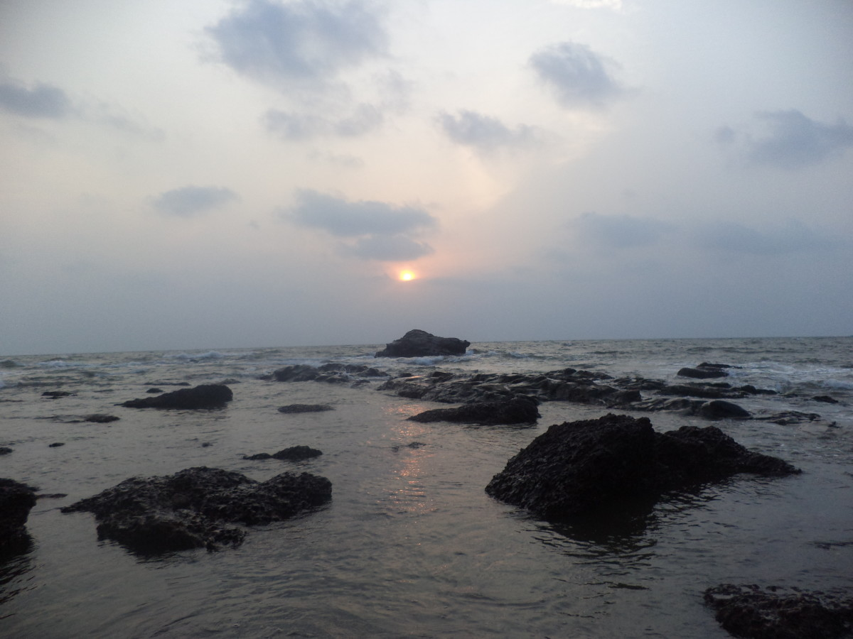 The evening beauty of Anjuna Beach in Goa. Hired a scooty from Estrela do Mar to visit this place.