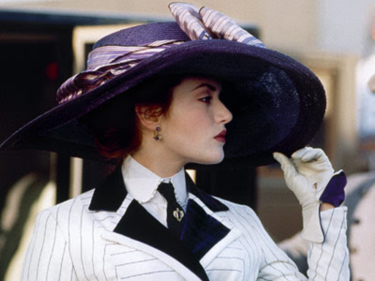 The Top Five Best Costumes wore by Rose from Titanic | HubPages