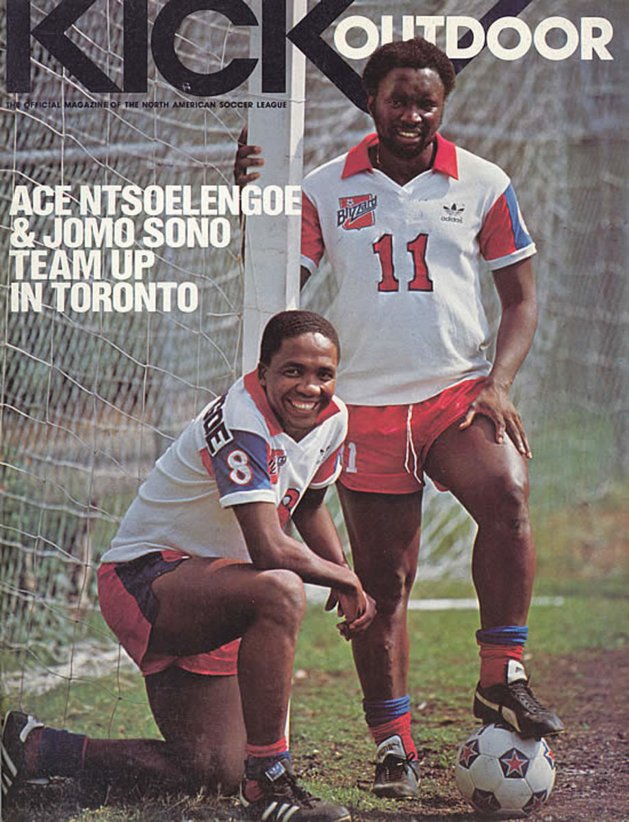 ACe Ntsoelengoe and Jomo sono Play Internally for Toronto soccer Club