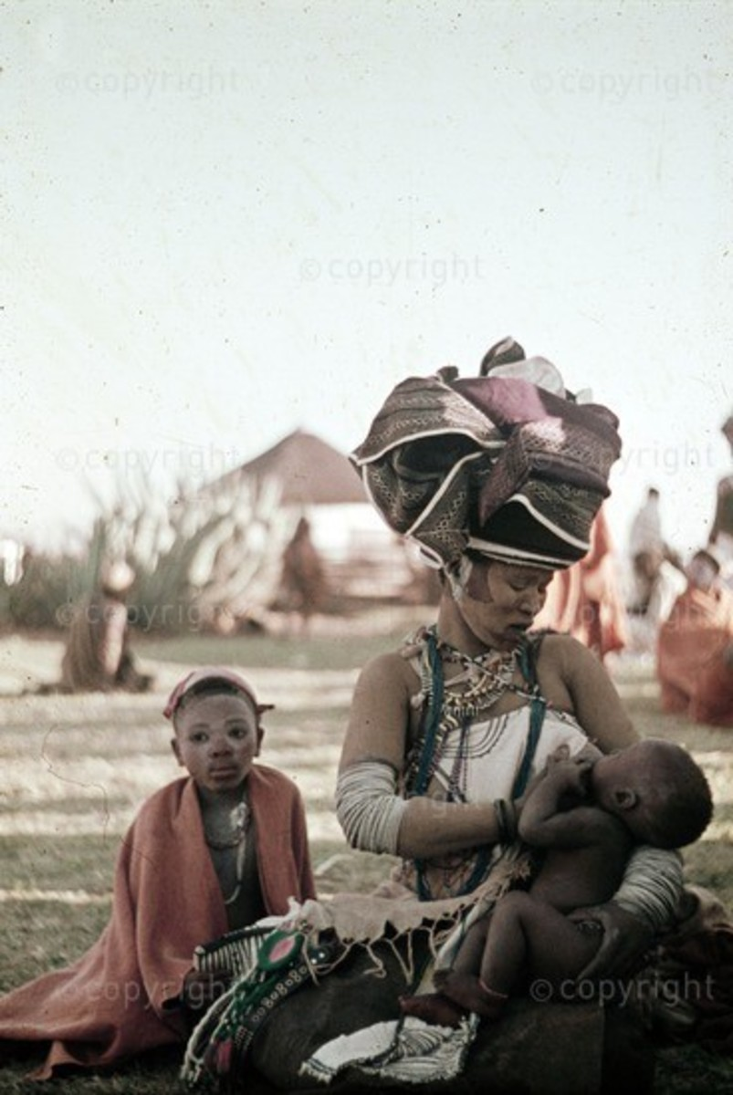 Xhosa Mother and child at intonjane at Nkondlo in Transkei province,South Africa.Circa 1962.