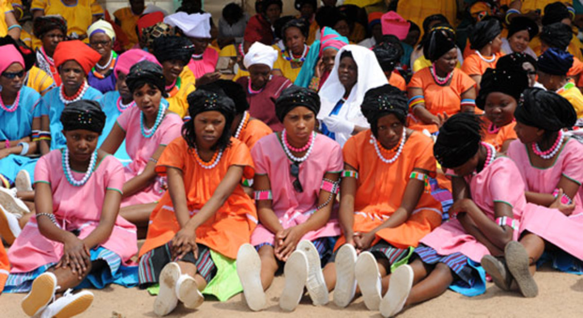 BaPedi Women wearing their traditional clothes. Sepedi is also sometimes referred to as Sesotho sa Laboa or Northern Sotho. The language of Sepedi is spoken by approximately 4,208,980 individuals and it is one of the eleven official languages in Sout
