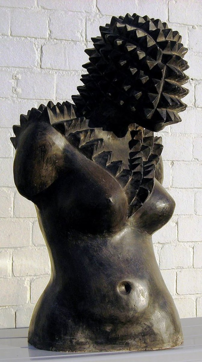 "Nkosinathi Khanyile's ""African Queen 1"", which combines the aesthetics of classical Greek sculpture with that of the 'amasumpa', the raised relief patterns used traditionally on Zulu pots and woodcarvings that carry social significance. ""African Quee"